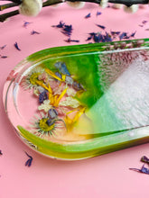 Load image into Gallery viewer, Dried flower spring trinket tray.