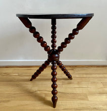 Charger l'image dans la galerie, 19th Century Bobbin Table