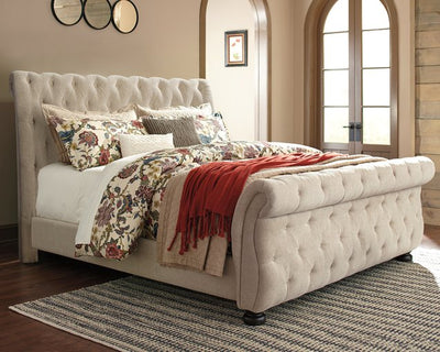 Willenburg Signature Design by Ashley Bed