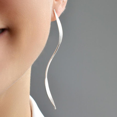 Elongated Silver Ribbon Earrings by Gexist®