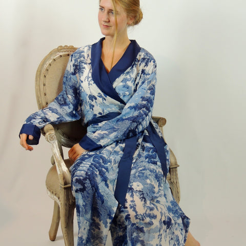 CHINA TREE DRESSING GOWN