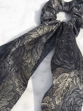 Charger l'image dans la galerie, Chouchou Foulard SILKY - Silvery