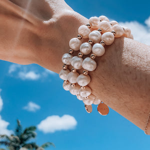Isa Set of 3 Baroque pearl bracelets medium