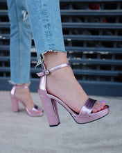 Load image into Gallery viewer, Metallic Pink High Heels