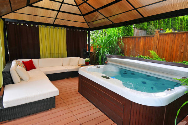 31 AWESOME HOT TUB ENCLOSURE IDEAS