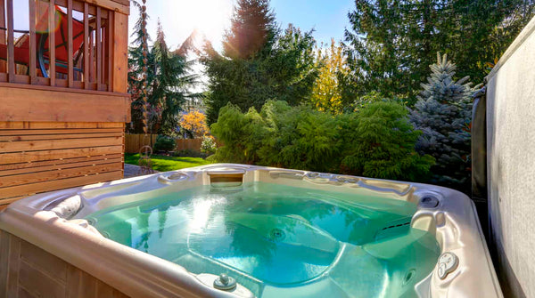 Pros and Cons of Saltwater Hot Tubs