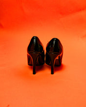 Load image into Gallery viewer, Italian Leather Pointed Heels - The Bearded Gypsy Vintage Co.