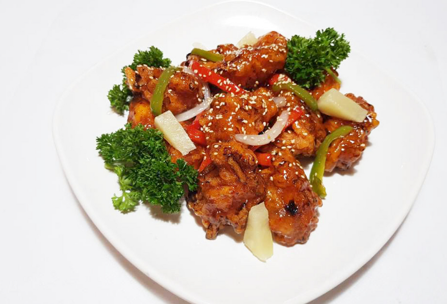 김치깐풍기 Kimchi fried chicken with sweet & sour sauce