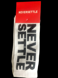 NEVERSETTLE WHITE SOCKS (5767508361381)