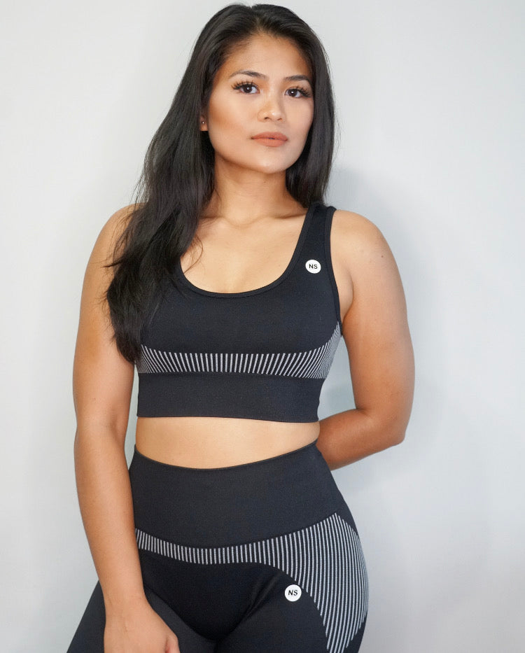 Ultra Black Seamless Sports Bra (5569824161957)