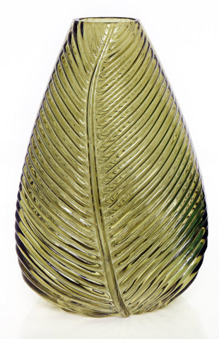 The Green-stained Leaf Vase comes in an accent finish with a distinctive decorative leaf design on the exterior. It's a welcome addition to any home display whether on your porch or indoors. If you're looking to add an elegant and sophisticated style to your room or living space then our high quality glass vase is the perfect home decor accessory.