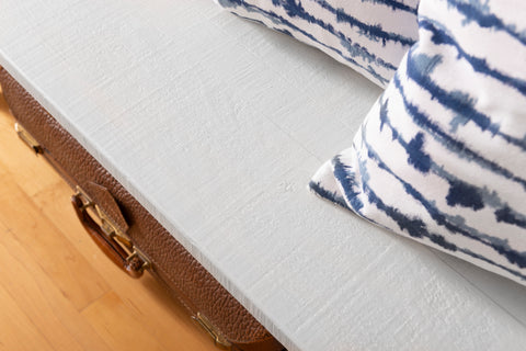 Hotel Robe - Dark bench gets lightened up - Milk Paint by fusion