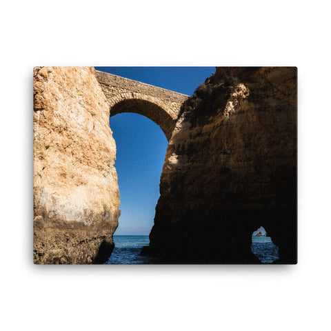 Arches and the sea (4:3)