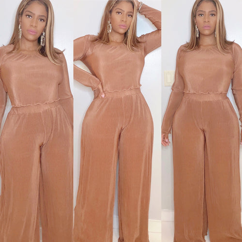 Com(pleat) Me Pant Set