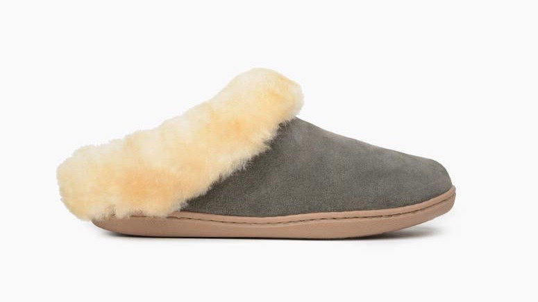 MINNETONKA WOMEN'S SHEEPSKIN MULE GREY 3365