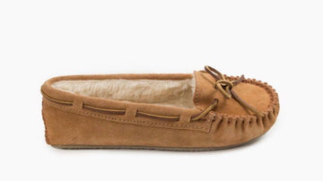 MINNETONKA WOMEN'S CALLY CINNAMON 4011