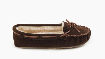 MINNETONKA WOMEN'S CALLY CHOCOLATE 4012