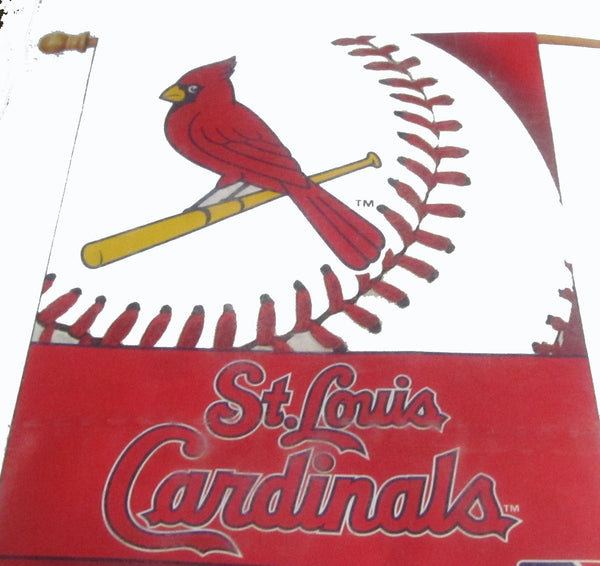 St Louis Cardinals vertical flag - Sports Nut Emporium