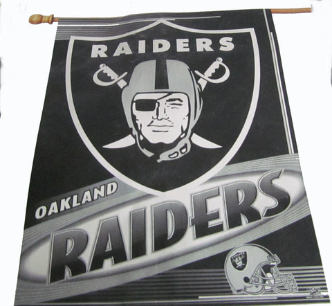 Oakland Raiders vertical flag - Sports Nut Emporium
