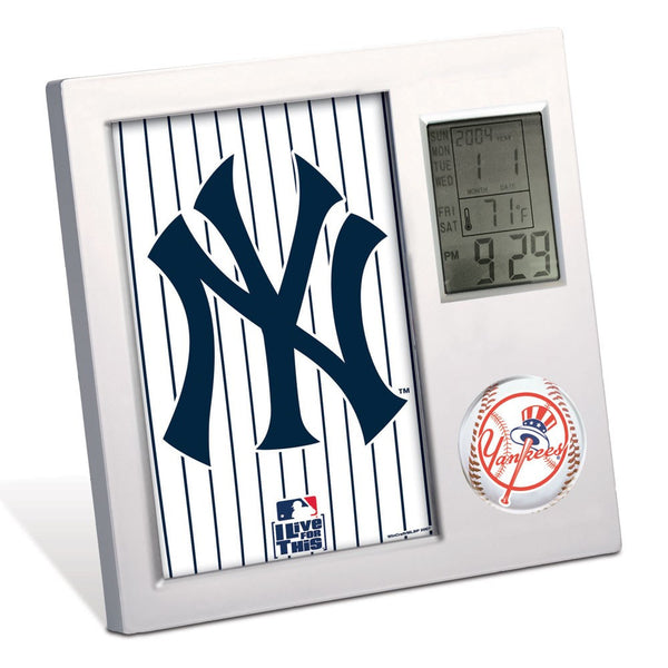 New York Yankees Desk Clock - Sports Nut Emporium