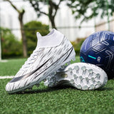 2020 New Men's Outdoor Soccer Cleats Shoes Breathable TF Long Spikes Football Boots Training Men Soft Sports Sneakers Shoes