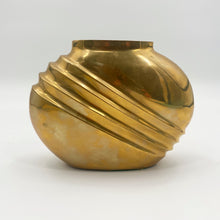 Load image into Gallery viewer, Fan Brass Vase