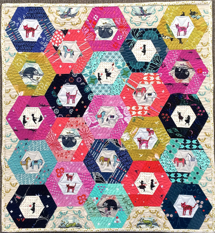 'Hexie Windows' mini quilt pattern