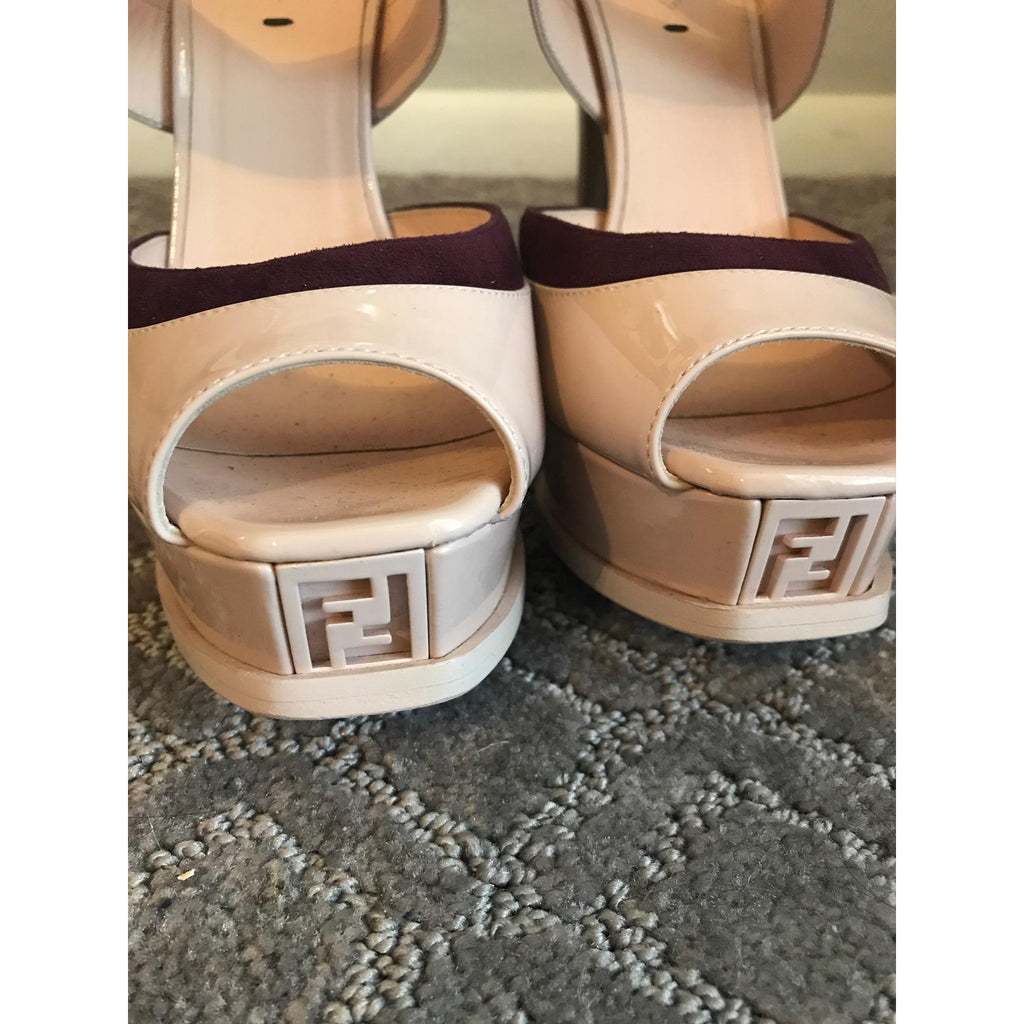 Fendi Fendista Metallic-Trim Patent Leather Sandals