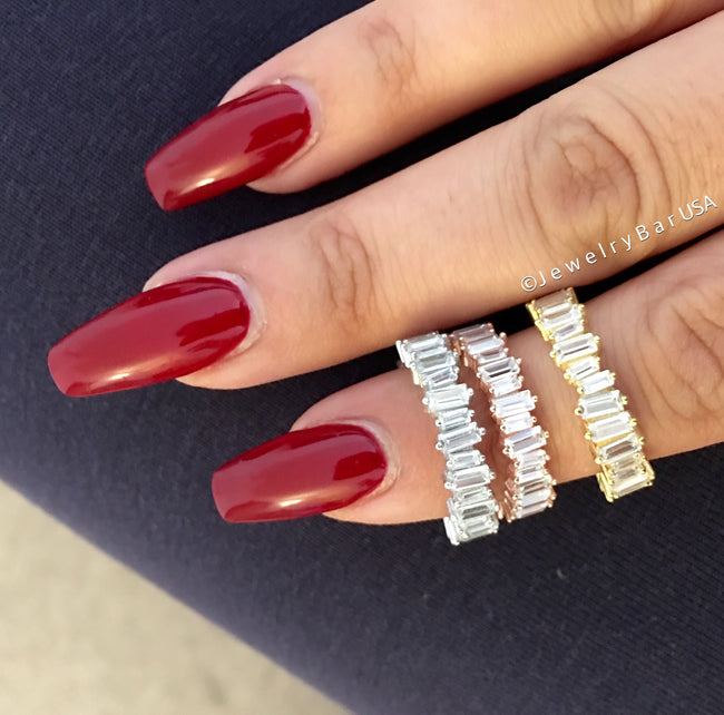 Baguette eternity ring gold