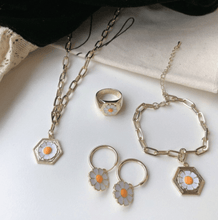 Load image into Gallery viewer, Daisy Jewelry Set - Momo Babe