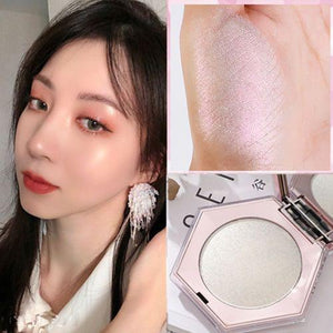 Luxe Pearl Illuminator and Highlighter - Momo Babe