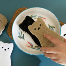 Load image into Gallery viewer, Cat Scrub Sponge 4pcs - Momo Babe
