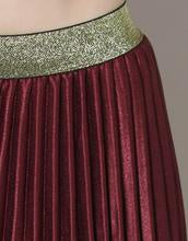 Wine Pleated Skirt
