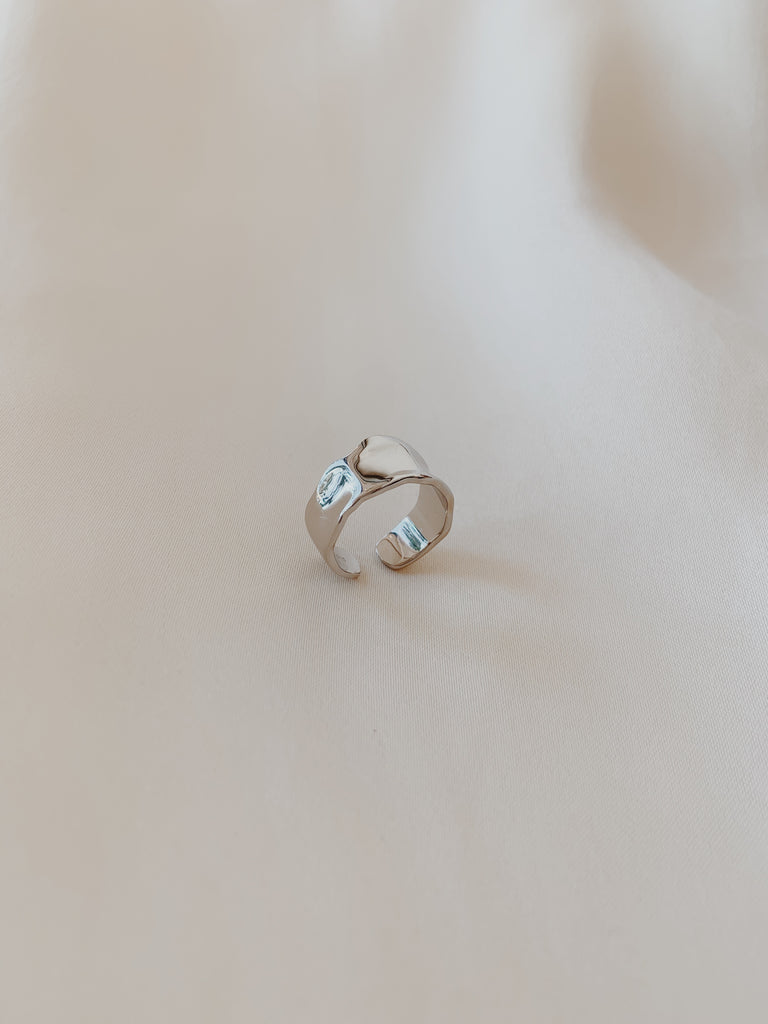 Rosie Hammered Ring Silver