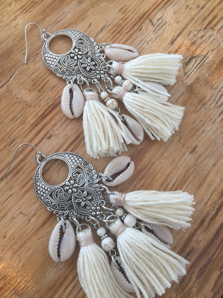 Call Me The Breeze Dolly Tassel Earrings Cream - Call Me The Breeze - 2