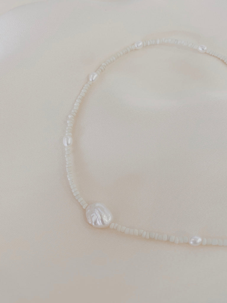 Hanne Pearl Bead Necklace Cream