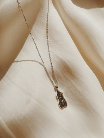 Femme Necklace Silver