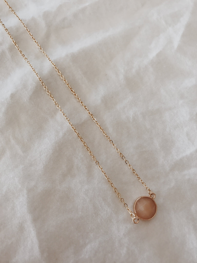 Kate Necklace Peach