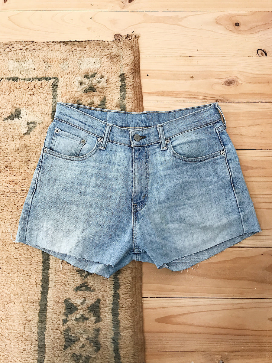Vintage Levis Denim Shorts Size 30 Light Rinse