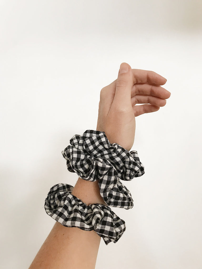 Zoe Scrunchie Gingham