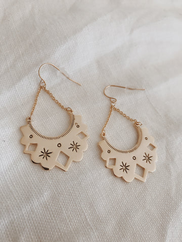 Call Me The Breeze Eve Earrings Gold