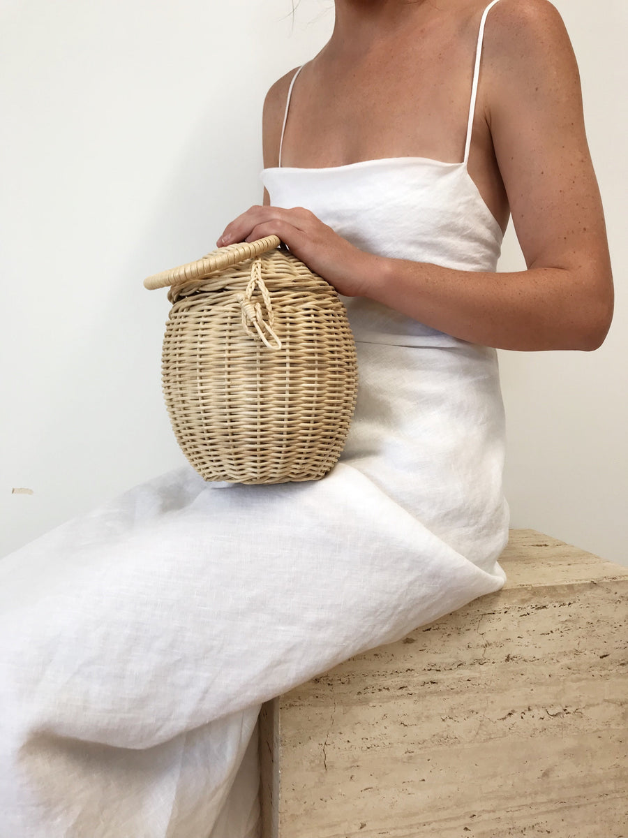 Daisy Egg Clutch