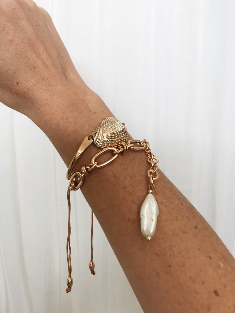 Bella Fan Shell Bracelet