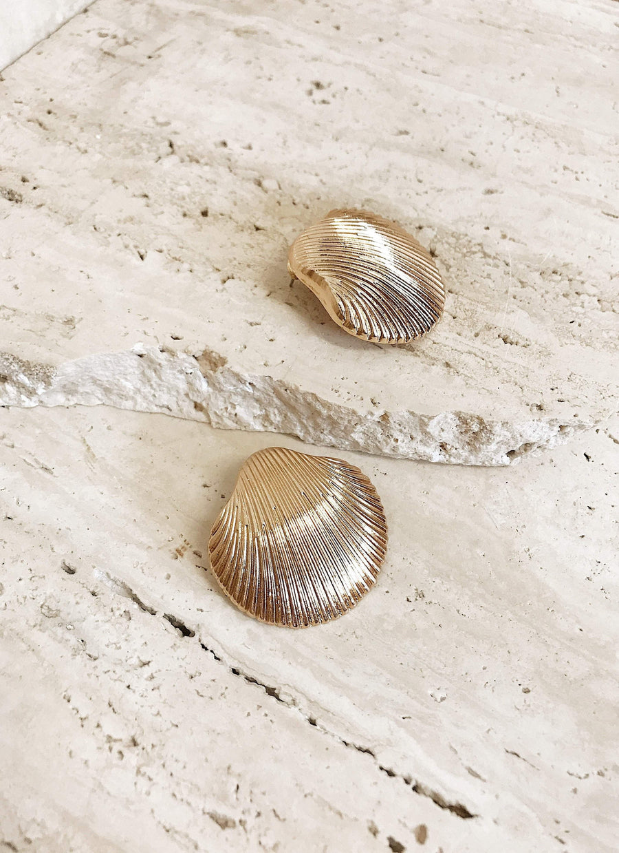Freya Shell Earrings Gold