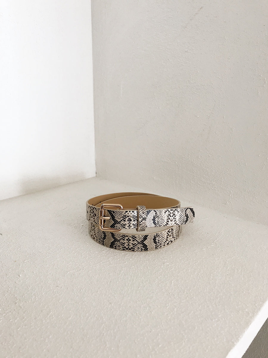 Josie Snakeskin Belt Snow (Vegan Leather)