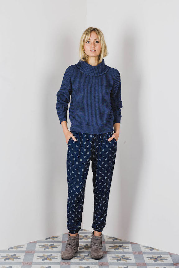 Lilya Iman Jumper Navy - Call Me The Breeze - 2