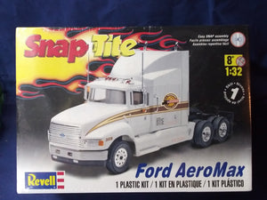 Revell Snap Tite Ford Aeromax Model Car Kit