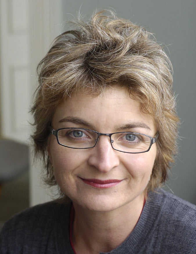 Nicola Dean has studied and practiced natural medicine for over 25 years. Nicola is a longstanding member of the New Zealand Association of Medical Herbalists (NZAMH). She fully understands the positive effects of plants on humans.