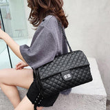 Classic Diamond Pattern Shoulder Bag