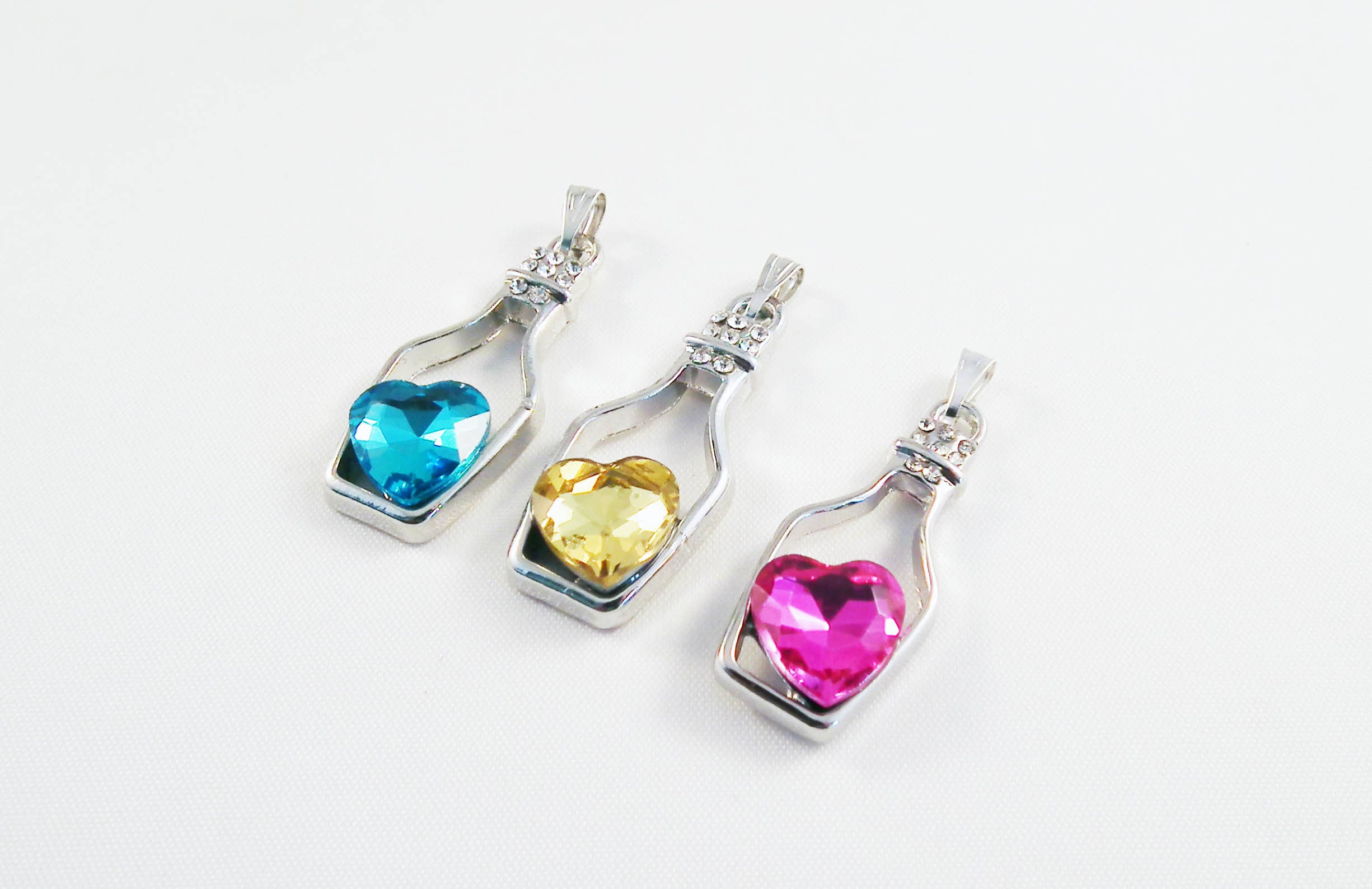 ALD4B - Breloque Bouteille Coeur Cristal / Crystal Heart Bottle Pendant - No Mercy Making